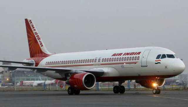 Fog disrupts flight schedule at Indira Gandhi Intl Airport